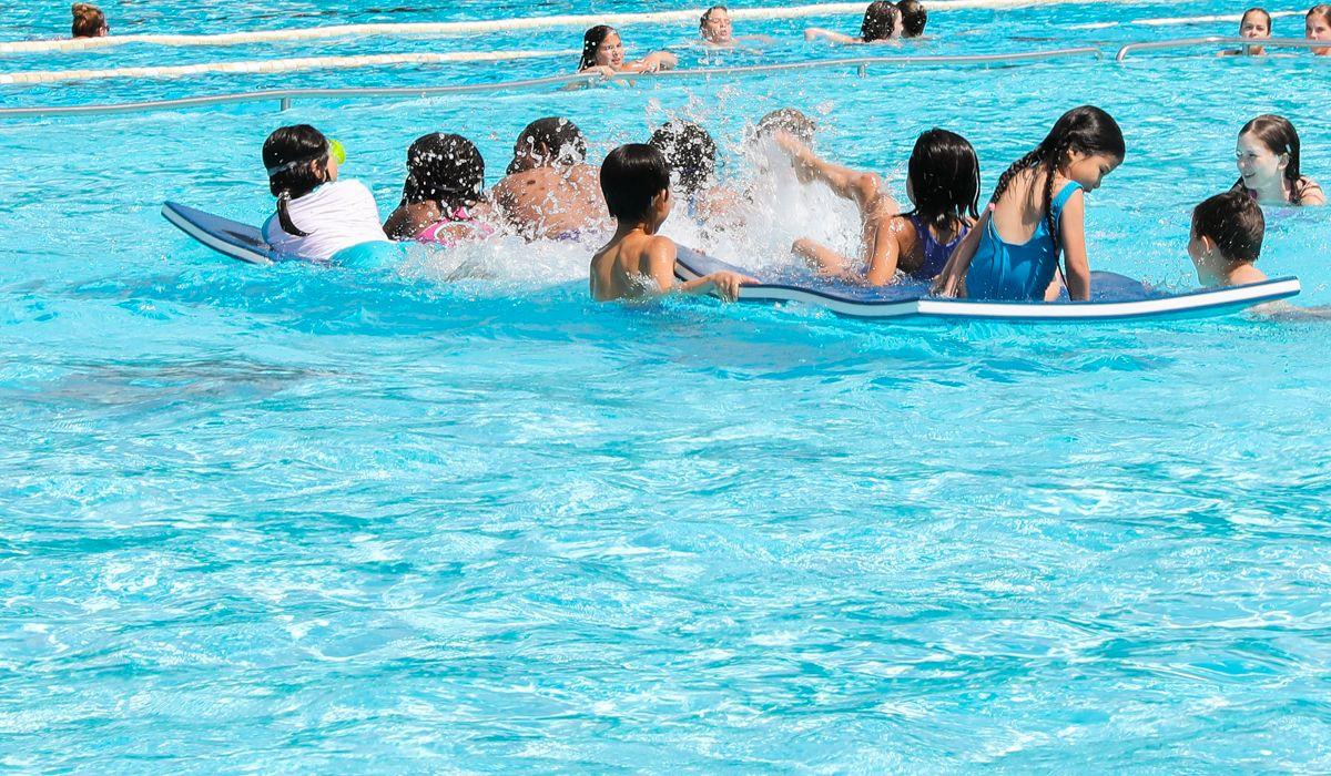 Kindergeburtstag - Wasserball spielen